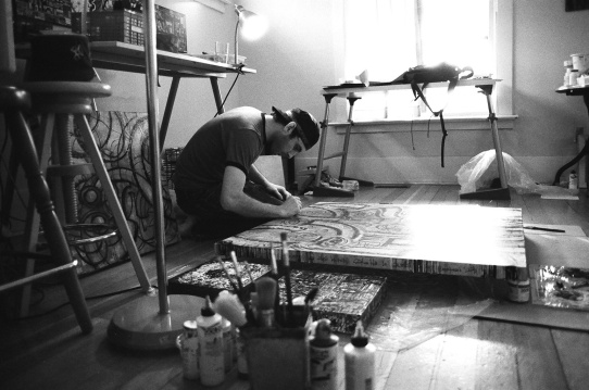 hälts working on his painting Interwoven c.2005-6