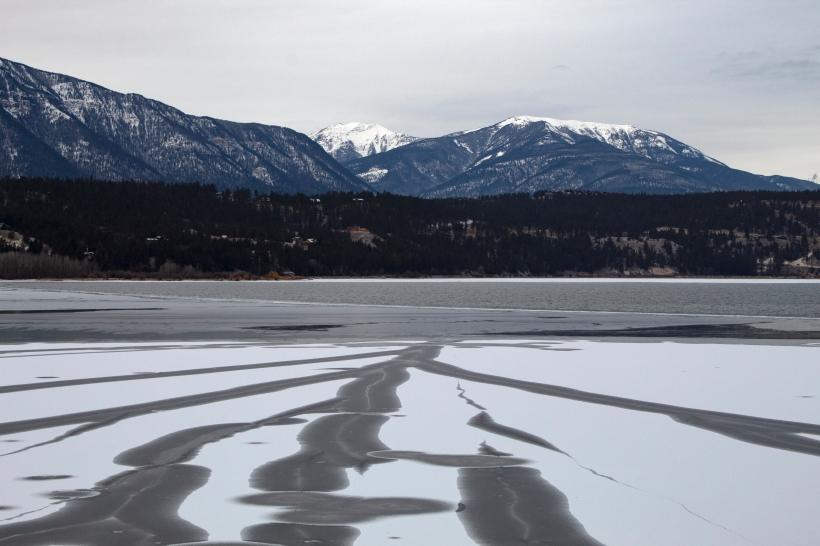 lake_freezing